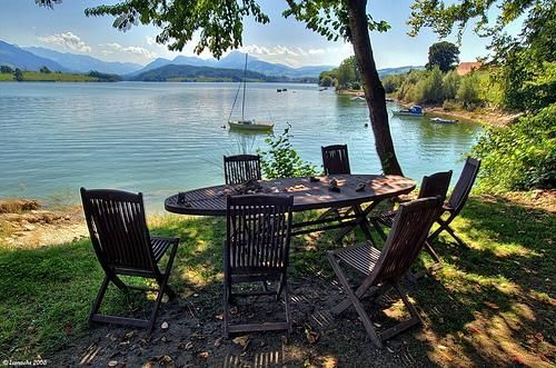35c85aa28e_Mobilier-chaise-jardin-bois_Lionoche-CC-by-nc-nd-2